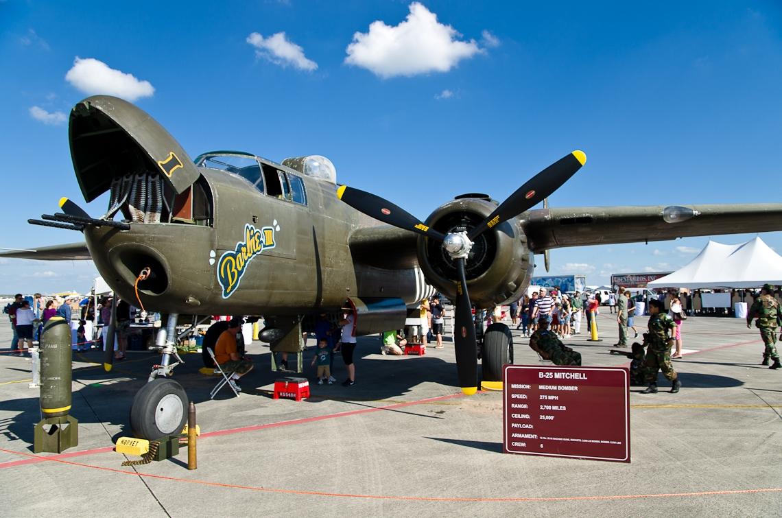 Авиашоу, Хоумстэд / Airshow, Homestead, FL, North American B-25 Mitchell