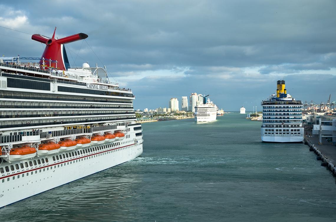 Miami port, Carnival